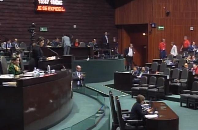 Oposición exige investigar conflicto de interés que denunció Urzúa