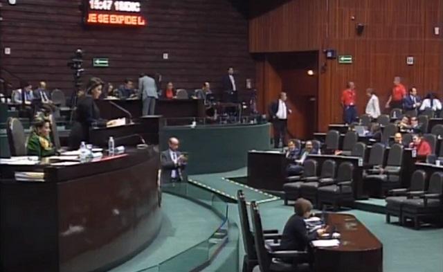 Analizan diputados de Morena si apoyarán la reelección de Muñoz Ledo