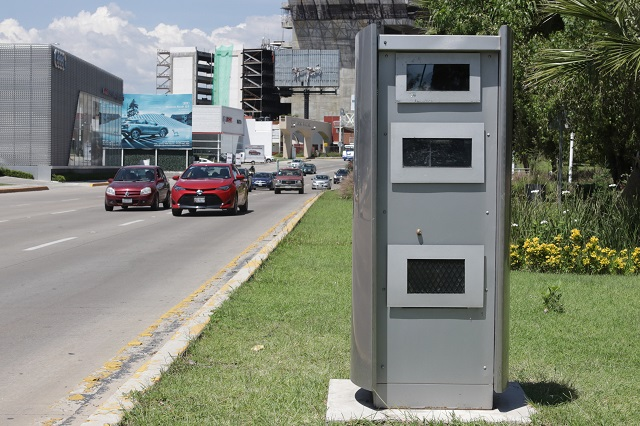 Van fotomultas pero más baratas, dice Miguel Barbosa