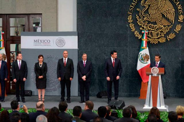 Peña Nieto  cambia directores en Pemex, IMSS y Salud