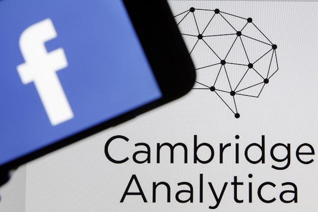 Cambridge Analytica tiene datos de 789 mil cuentas de Facebook de mexicanos
