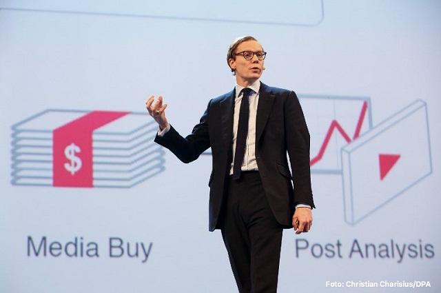 PRD exige investigar vínculos del PRI con empresa que robó datos de Facebook