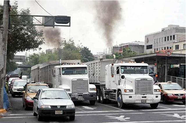 Inicia campaña de detección de vehículos contaminantes en Valle de México