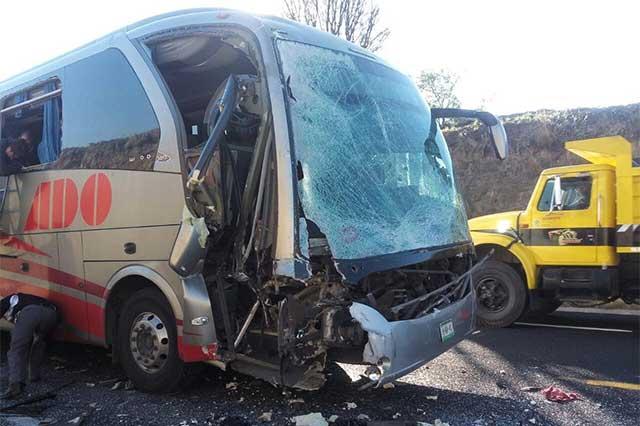 Camión con personal de Audi choca y provoca 4 lesionados