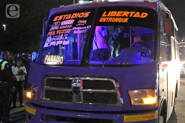 Bloquean Pueblo Nuevo por conflicto entre transportistas