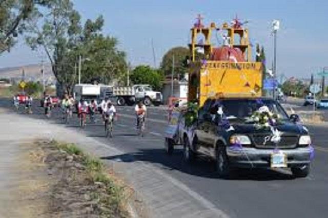 Muere mujer en accidente de camión de peregrinos en Zacapala