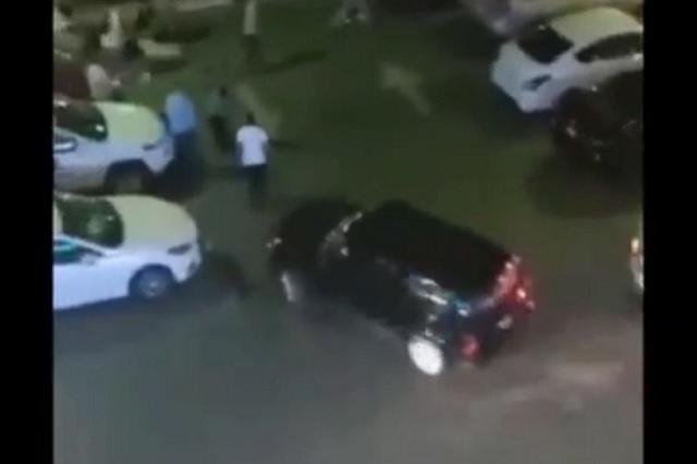 En pleito en Monterrey, usan camioneta para atropellar a 3 personas
