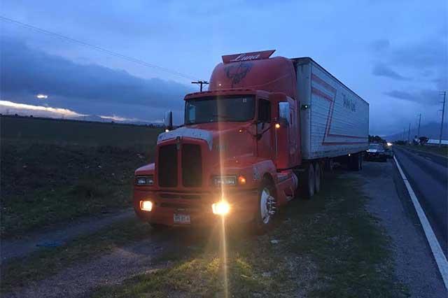 Aseguran 3 camiones de carga, uno con 31 toneladas de papa