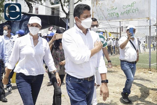 Eduardo Rivera no descarta dar fin a concesión del agua