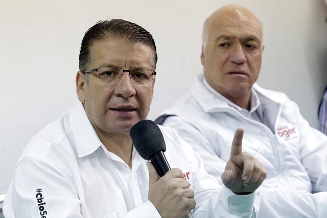 Enrique Doger aclara a la IP que él sí aceptó el debate