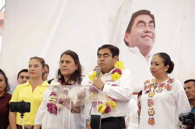 Barbosa ofrece gobierno sin persecución ni coacción de alcaldes