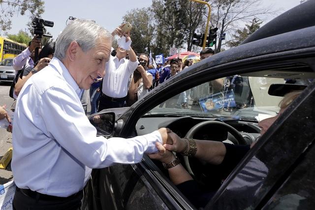 Atacan a Enrique Cárdenas en redes sociales; lo llaman ardido
