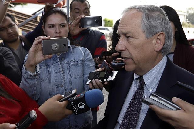 Prevé Cárdenas alcanzar a Barbosa en encuestas
