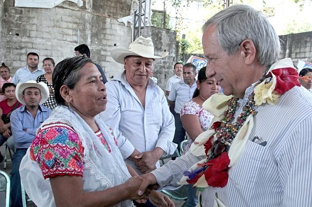 En la Sierra Norte retiraron los apoyos sociales: Cárdenas