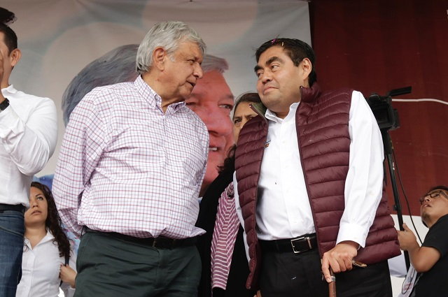 AMLO acompañará a Barbosa en su segundo día de gobierno en Puebla