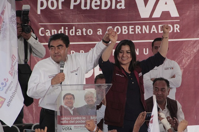 Propone Barbosa no condicionar contratos de obra pública