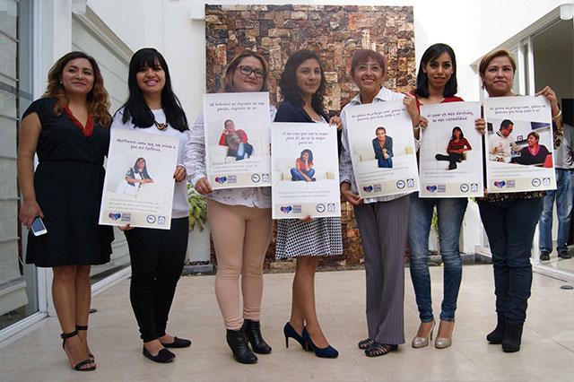 Juntos pero no violentos, campaña del Centro de Justicia para las Mujeres