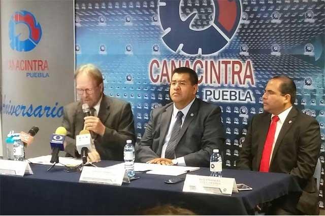 Acusa Canacintra a Casiano de abuso en refrendo de licencias