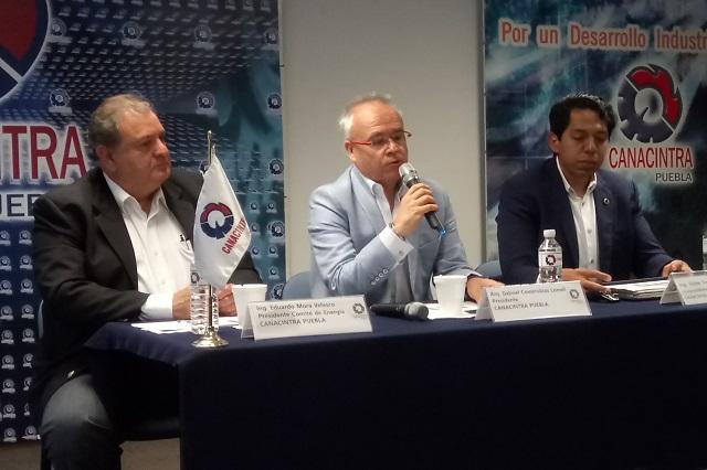Aumentos del 15% en tarifas eléctricas padecen industriales poblanos: Canacintra
