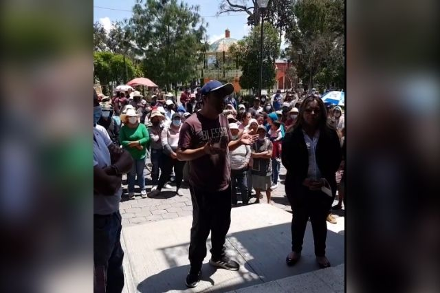 Cierran paso en Cañada Morelos por inconformidad electoral