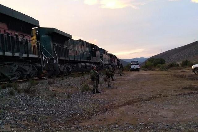 Ahora sí, policía y GN evitan asalto a tren en Cañada Morelos