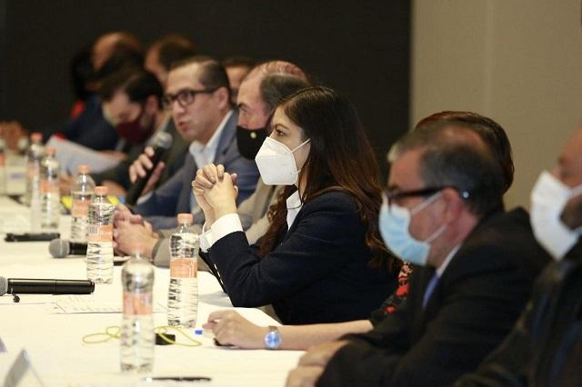Expone Claudia Rivera avances en mejora regulatoria, ante Canadevi