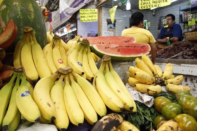 Entre 2 y 5 pesos, alza registrada en fruta de la canasta básica: Profeco