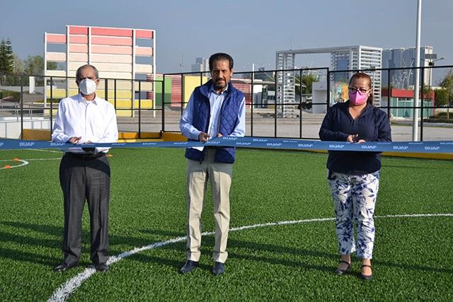 Esparza Ortiz entrega canchas de fútbol 7 para ARPA y Facultad de Artes