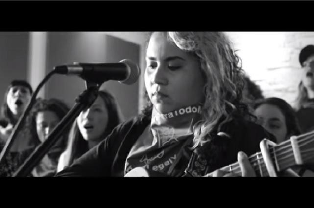 'Canción sin miedo', el nuevo himno feminista escrito por la mexicana Vivir Quintana