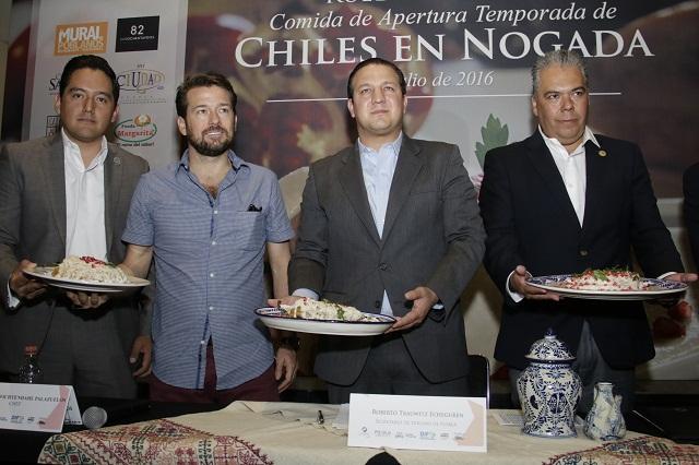 Restauranteros esperan vender 2 millones de chiles en nogada