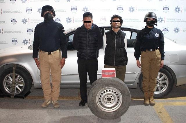 Policía de Puebla capitalina detienen a ladrones de autopartes