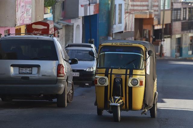 Se multiplican los taxis locales, sin resolver el problema de mototaxis