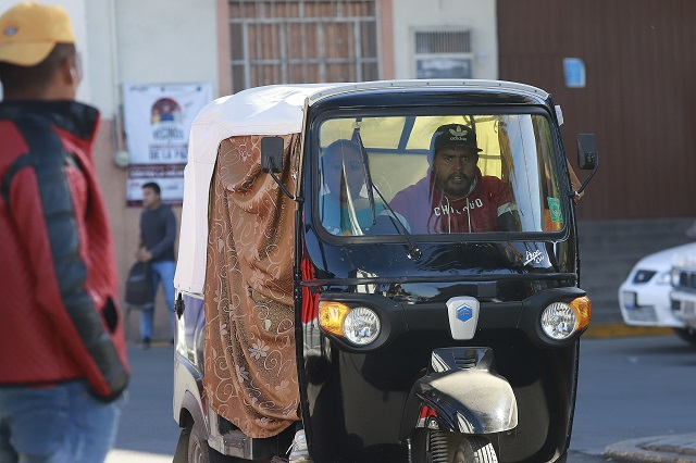 Gobierno no hará redadas contra los mototaxis, señala Barbosa