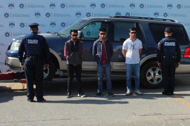 Rescatan policías de Puebla capital a secuestrado y detienen a captores
