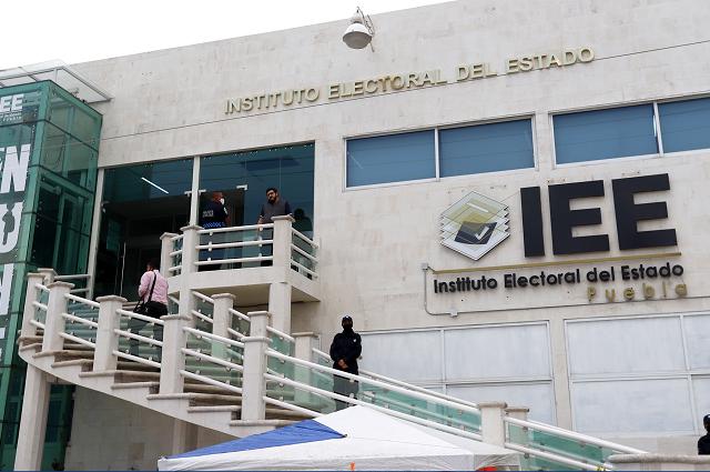 Exhiben a Dirección Jurídica del IEE por omisa ante quejas