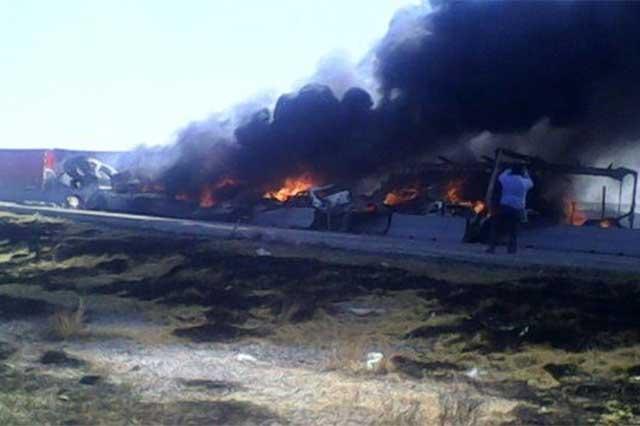 Habrían perecido 8 personas en carambola sobre la Puebla-Orizaba