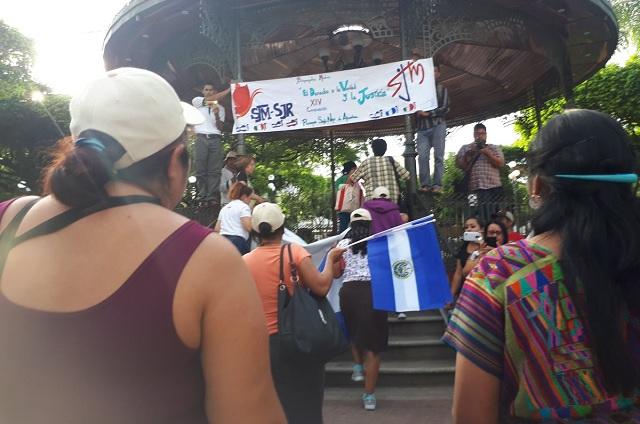 Migrantes rechazan ofrecimiento de EPN de salud y empleo temporal