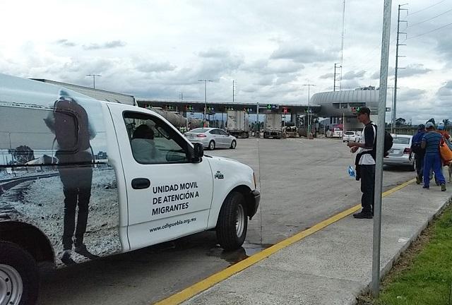 Detienen autobús con 76 migrantes en la autopista Puebla- Córdoba