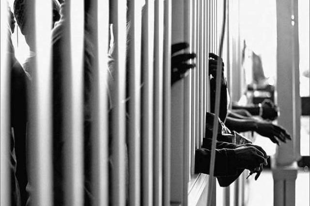 Cada custodio vigila a 5 reos en cárceles poblanas: INEGI