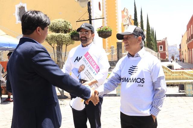Cárdenas recolecta firmas en Atlixco y el norte de Puebla