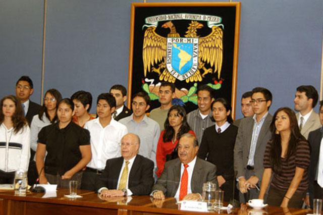 Slim recuerda su paso por la UNAM y sus maestros excepcionales