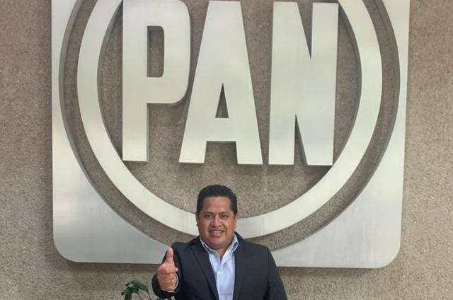 Líder del PAN en Cholula destituido por apoyar a Claudio Rosas