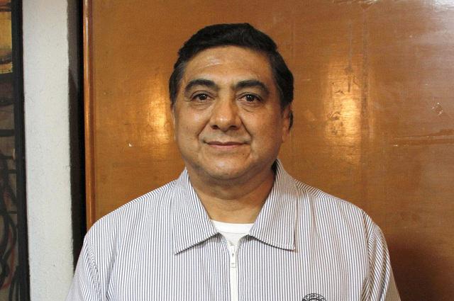 Carlos Bonavides será intervenido para extirparle un tumor en el riñón