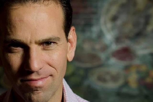 ¿En qué medio ahora colabora Carlos Loret de Mola?