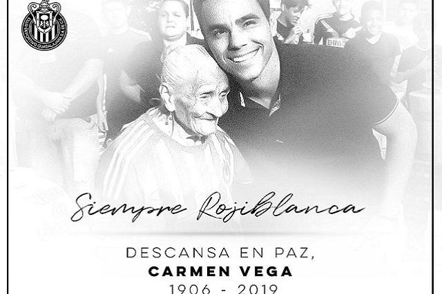 Muere Carmen, la aficionada de Chivas que tenía la misma edad del equipo