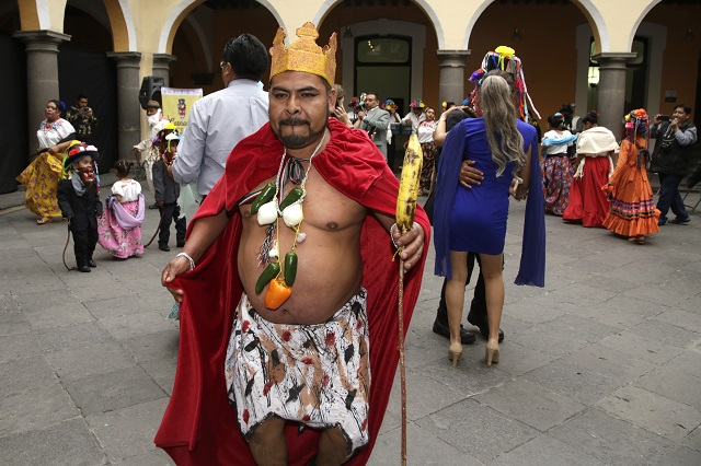 Sacan a flote carnaval en Tehuacán pese a líos políticos