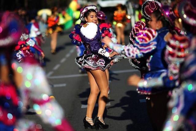 Mujer denuncia haber sufrido agresión sexual en carnaval de Barcelona