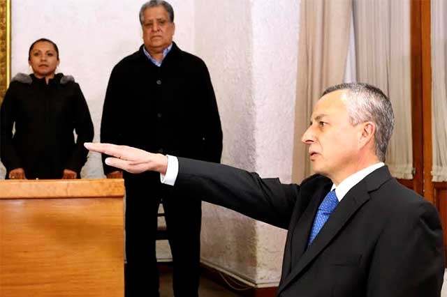 Asume Víctor Carrancá titularidad de la Fiscalía General