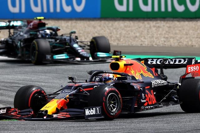 Max Verstappen se lleva el GP de Estiria; Checo finaliza cuarto