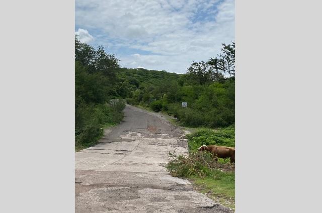 Acusan pésimas condiciones en carreteras de la Mixteca
